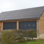 Garage avec panneaux photovoltaïques
